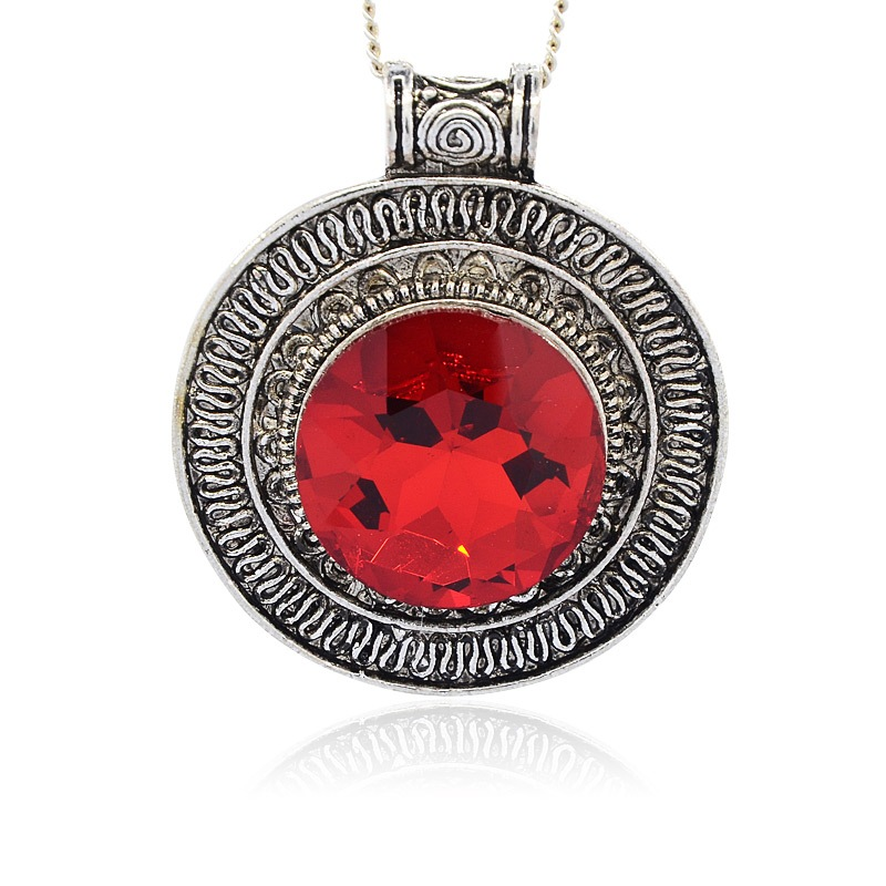 Pendentif rond plat + gros strass rouge 56 x 48 / 9 mm argent